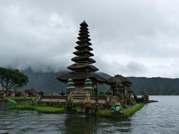 Là où l'eau abrite le temple